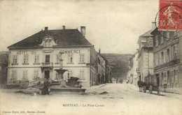 MORTEAU  La Place Carnot Fontaine Hotel Du Commerce Attelage RV - Other Municipalities