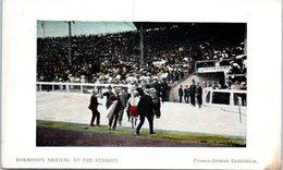 Jeux Olympiques 1908, Londres - Course Du Marathon - Dorando's Arrival At The Stadium Franco British Exhibition - Olympic Games