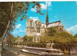 Cpm 75 Paris 1 Cathédrale Notre Dame Bateau Mouche - Notre Dame De Paris