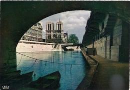 Cpm 75 Paris 1 Cathédrale Notre Dame Sous Les Ponts - Notre Dame De Paris