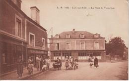 14 LUC SUR MER 1930 ? Place Animée Restaurant LES SPORTS Commerce LAMY Ed. L B - Luc Sur Mer