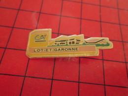 712F Pins Pin's  / Rare, Belle Qualité / THEME BANQUES : CREDIT AGRICOLE LOT ET GARONNE ça Sent Le Cassoulet ! - Banques