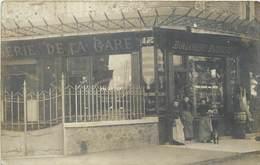 SAINT MAUR DES FOSSES - Brasserie De La Gare Et Boulangerie, Carte Photo. - Saint Maur Des Fosses