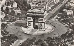 Paris : Vue Aérienne : La Place De L'arc De Triomphe De L'étoile ( C.p.s.m. ) - Arc De Triomphe