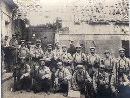 Carte Photo Recoupée. 111x85mm. Le Hamel . 10e Compagnie. Aout 1915 - Guerre 1914-18