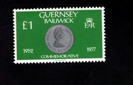 756668690 1980 1981  SCOTT 202 POSTFRIS  MINT NEVER HINGED EINWANDFREI  (XX) COIN QUEEN ELIZABETH II 25TH ANNIV 1977 - Guernesey