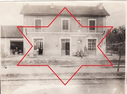 Photo 14-18 RIMAUCOURT - Soldats Américains à La Gare (A210, Ww1, Wk 1) - Other Municipalities