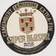 ETIQUETTE CAMEMBERT SUPER BLASON LA MELUSINE - Quesos