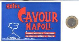 ETIQUETA DE HOTEL  -  HOTEL CAVOUR  -NAPOLI  -ITALIA - Hotel Labels