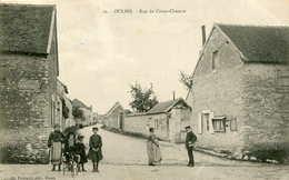 OULINS    =  Rue Du Creux Chemin      665 - Autres Communes