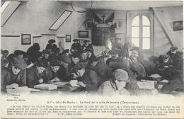 CONCARNEAU: A L'ABRI DU MARIN - Concarneau
