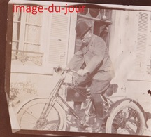 Photo Ancienne  TRICYCLE A MOTEUR VELO - Automobiles