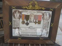 SUPERBE CADRE AVEC 4 MÉDAILLES  WW1 - 1914-18