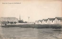79 Parthenay Revue De Troupes Troupe Soldat Militaire Cpa Carte Animée - Parthenay