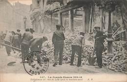 Guerre 1914 1918 Deblaiement Des Rues De Lille Après Le Bombardement Militaire Cachet Convoyeur La Rochelle Niort 1915 - Guerre 1914-18
