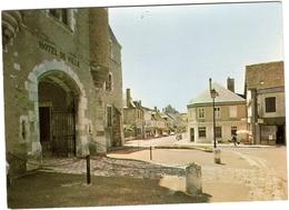18 AUBIGNY Sur Nere PLACE DE L'HÔTEL DE VILLE - Aubigny Sur Nere