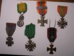Lot De 6 Médailles Seconde Guerre Mondiale à Identifier - Medals