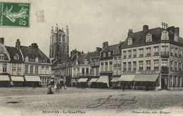 BERGUES  La Grand'Place Commerces  RV - Bergues