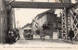 S 2  -  212  -     ARLES      -     ( 13 )   -      Trinquetaille -  Vue à La Sortie Du Pont    - - Arles