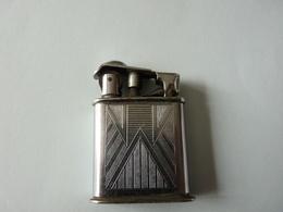 1   Ancien BRIQUET Feudor   100   Modéle Déposé 69-2  Metal - Briquets