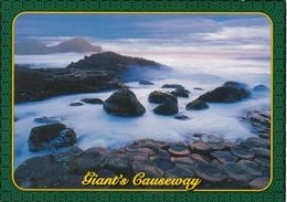 Northern Ireland The Giants Causeway Postcard Used Good Condition - Northern Ireland