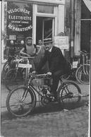 CARTE PHOTO  MAGASIN MOTOCYCLETTE  VELO CYCLES VELOCIPEDE 1903  PLACE DE LA BOURSE CARTE UNIQUE - Shops