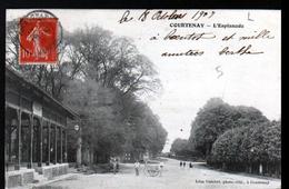 45, Courtenay, L'esplanade - Courtenay