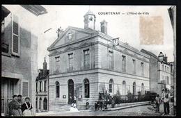 45, Courtenay, L'hotel De Ville - Courtenay