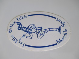 Autocollant Vintage Majorettes Miss Walkie Talkie  Merville  9,5 Cm / 6 Cm - Autocollants