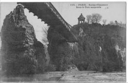 Paris - Buttes-Chaumont Sous Le Pont Suspendu - Parques, Jardines