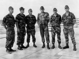 A-2A1 >> PHOTO ALGERIE >> Général Et Ses Officiers Du 3ème Régiment De Parachustistes Année 1957-58 - TRES BON ETAT - Aviation