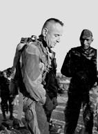 A-2E >> PHOTO ALGERIE >> Général BIGEARD En Manoeuvre 3ème Régiment De Parachustistes Année 1957-58 - TRES BON ETAT - Aviation