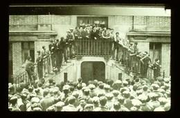 Diapositive Guerre Une Grève Avec Occupation D'usine En 1936 - Diapositives (slides)
