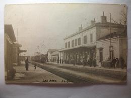 Carte Postale Les Arcs (83) La Gare ( CPA Dos Divisé Noir Et Blanc Oblitérée 1906 Timbre 5 Centimes ) - Les Arcs