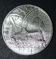 Médaille Frappée Pour La Reconstruction De Notre-Dame De Paris - 15 Avril 2019 - Monnaie De Paris - Professionnels / De Société
