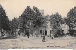 33 . N°52779 . ARCACHON . La Poste Et Le Cours Tarlas - Arcachon