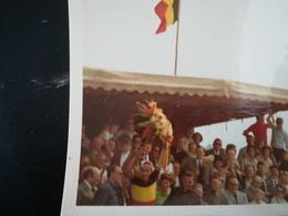 EDDY MERCKX COUREUR CYCLISTE LE CANNIBALE  VAINQUEUR CHAMPIONNAT BELGIQUE PHOTOGRAPHIE 2 PHOTOS ORIGINALES ANNÉE 1970 - Ciclismo