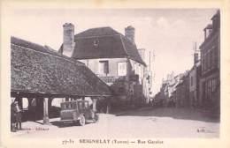 89 - SEIGNELAY :  Rue Gatelot ( Automobile En 1er Plan ) CPA Village (1.500 Habitants) - Yonne - Seignelay