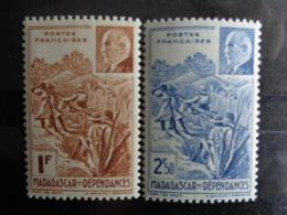 MADAGASCAR 1941 - Y&T N° 229 & 230 ** - TRANSPORT ET PETAIN - Madagascar (1889-1960)