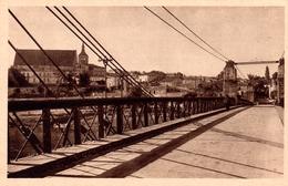 CPA Guîtres 33. Vue Générale. Le Pont Suspendu. Jamais Circulé - France