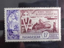 MADAGASCAR 1954 P.A. Y&T N° 74 ** - 10e ANNIV. DE LA LIBERATION - Madagascar (1889-1960)
