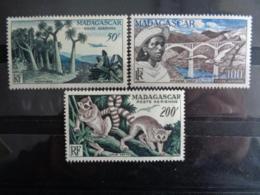 MADAGASCAR 1954 P.A. Y&T N° 75 à 77 ** - ASPECTS DE MASAGASCAR - Madagascar (1889-1960)