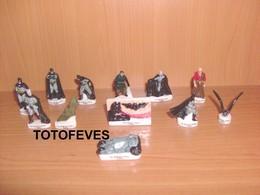 SERIE COMPLETE BATMAN BEGINS DE 12 FEVES N°28 - Fèves