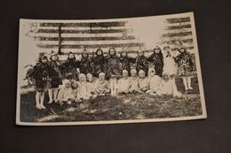 Carte Postale Photo 1932  Remise Des Prix Enfants Déguisés Coqueriquette Et Coquerico - Schools