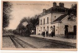 CPA Guîtres 33. La Gare Et L'arrivée D'un Train. Jamais Circulé - France