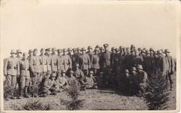AK Foto Gruppe Deutsche Soldaten - Im Kriege 1940 (40636) - Weltkrieg 1939-45