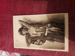Carte Postale  Ancienne  Types D'orient Serie 2 N°2516 Fillette Bedouine - Tunisie