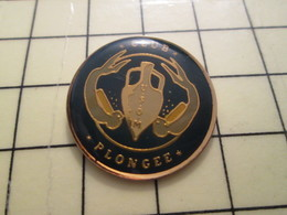 PIN411G Pin's Pins / Rare Et Beau : PLONGEE SOUS MARINE AMPHORE HOMME-GRENOUILLE USOM MONDEVILLE - Diving