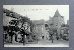 46 -  SAINT-CERE - Place De L'Eglise - Saint-Céré