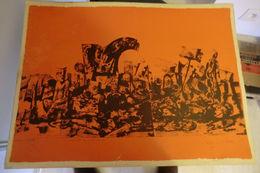 Lithographie En Couleur épreuve D'artiste-l'amitié Tue Le Drame-1968 Signature Illisible  Deux Petite Déchirures En Bas - Lithografieën